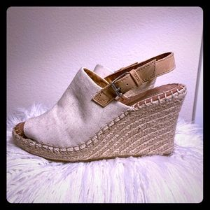 Natural Oxford TOMS Monica Wedges